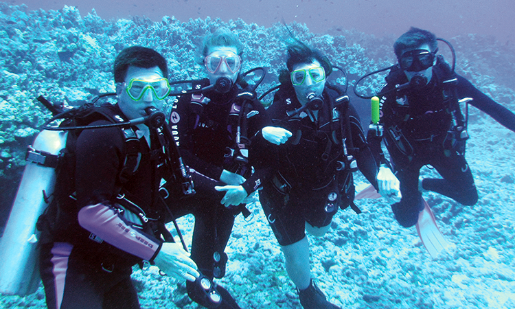 Tim Howard scuba diving with his family - ISPE Pharmaceutical Engineering