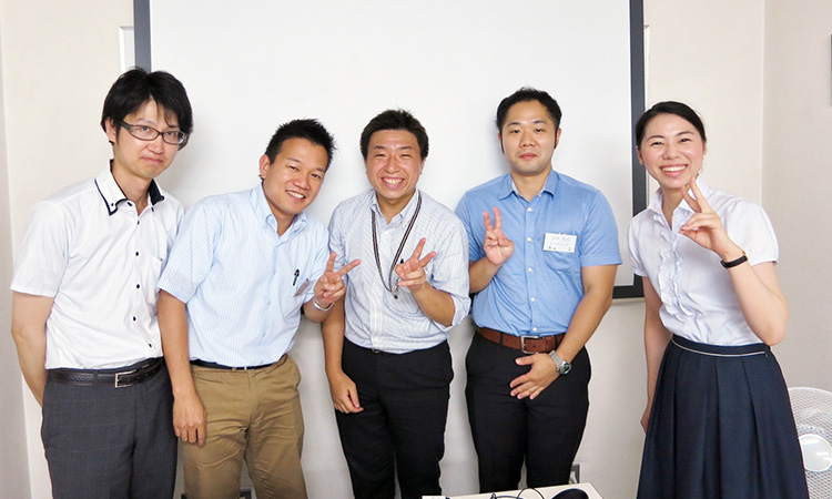 Takenori Sumi (second from left) at a Japan Affiliate YP working group meeting