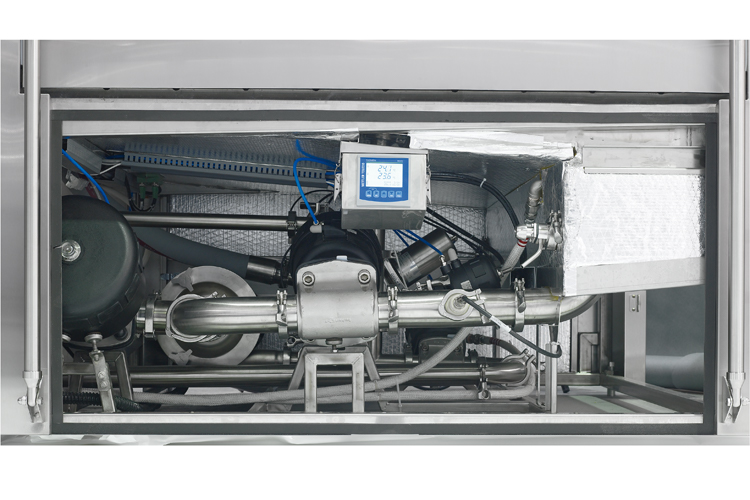 Sloped piping in a pharmaceutical-grade washer